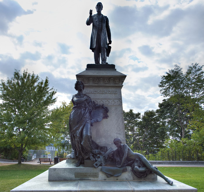 View enlarged image of the Alexander Mackenzie statue