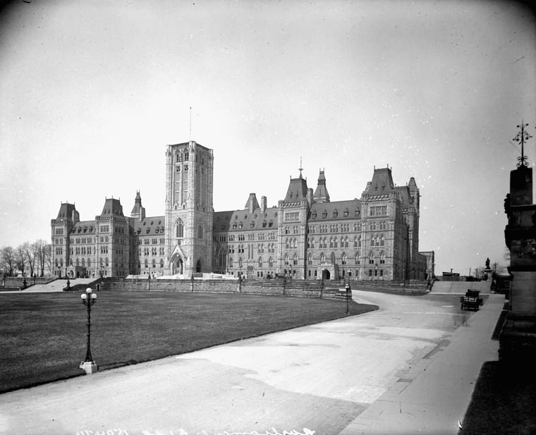 View enlarged image of the Centre Block with the Peace Tower under construction in April 1922