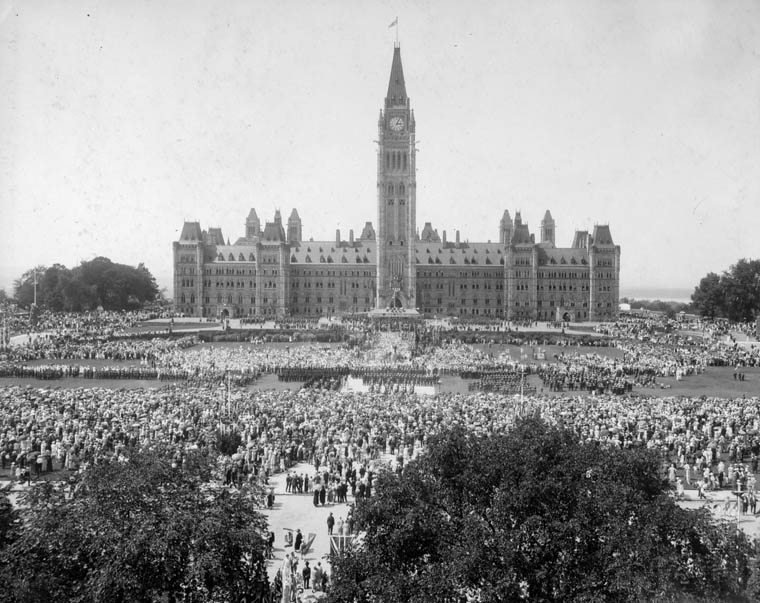 View enlarged image of the Jubilee Celebrations on Parliament Hill, July 1, 1927