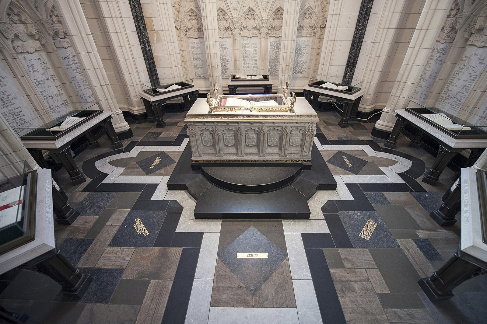 View enlarged image of the Memorial Chamber