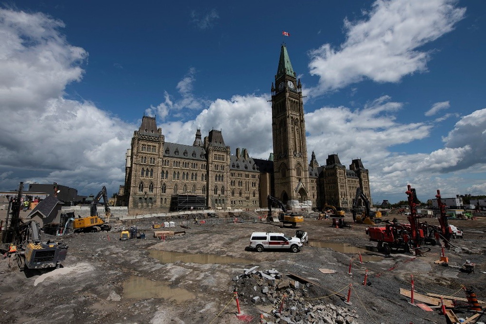 The construction site of Parliament Hill with the Centre Block in the background.